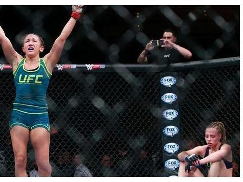 UFC女星健身房开不下去,靠网上兜售私照维持生计,网友:太贵了