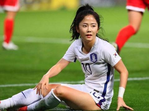 韩国足球第一美女,因太谦虚说自己不好看走红