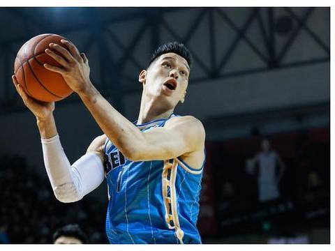 尤度两次大力灌篮,北京男篮大比分领先,吉林手感冰冷外援0分