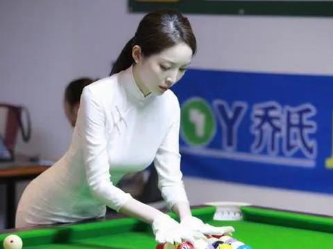台球界最美女裁判王钟瑶,颜值不输潘晓婷,身材傲人惹人犯规