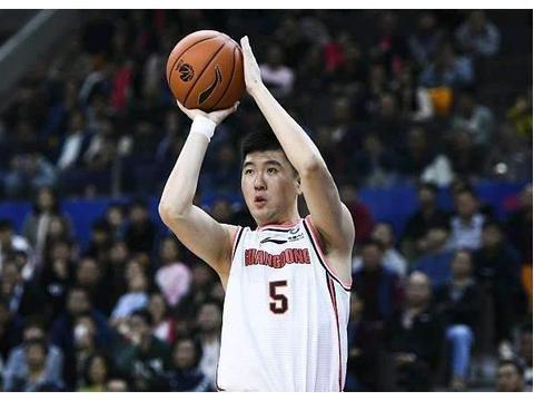 广东宏远最稳投手!王薪凯47%三分投篮命中率,为何难获重用?