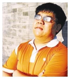 双目失明的歌手杨光,因《星光大道》走红后,为何被怼滚出娱乐圈