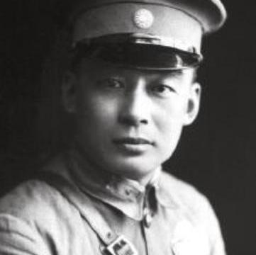 他是胡宗南身边王牌特工,娶了熊向晖姐姐,曾受老蒋两次单独接见