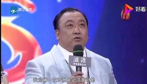 作为香港影坛的两极,王家卫和王晶,一直都是最懂对方的那个人!