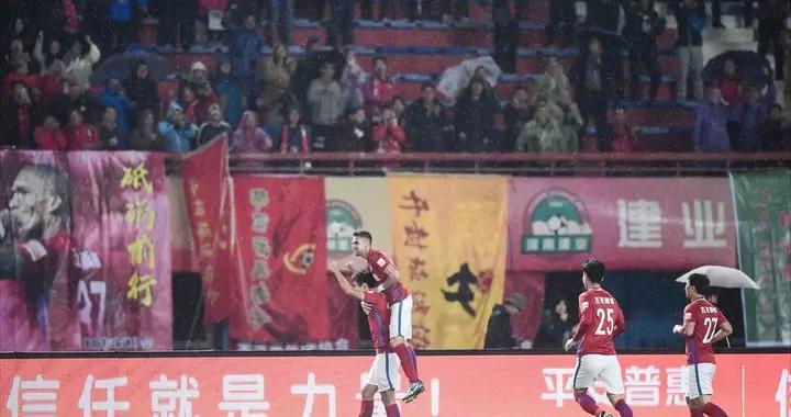 建业vs四川热身赛G1:周定洋造任意球王上源主罚,37分钟率先破门