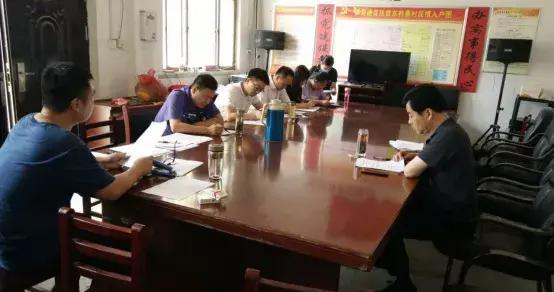 中共濮阳市委网信办到梨园乡东韩寨村开展 结对帮扶与脱贫攻坚普查对接工作