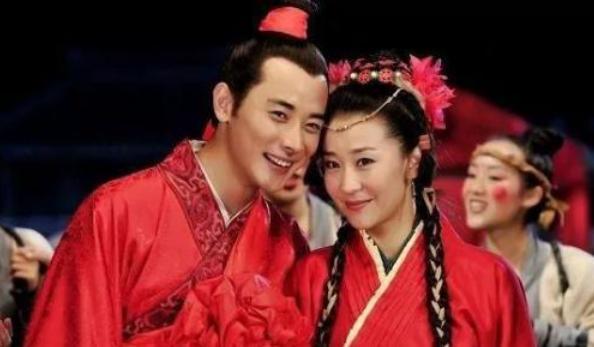 """她凭""""穆桂英""""红遍全国,正红时嫁大19岁富豪,生子奖励私人飞机"""