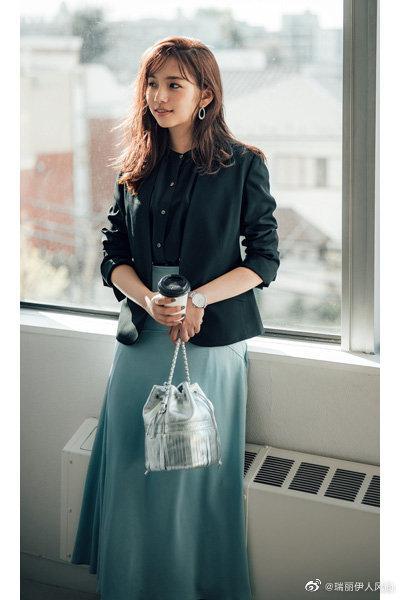 有态度的通勤装,是时尚感+女性气质+穿着舒适