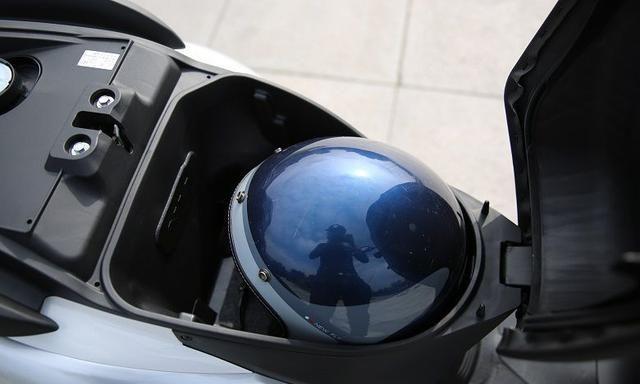 又一亲民通勤摩托车!单缸风冷110cc,电喷+CBS,仅1.2万起值吗