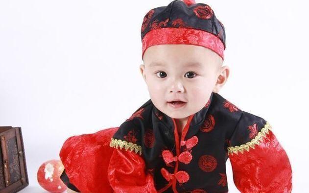 """爸爸给孩子取名""""勇一"""",却没注意谐音,宝妈:别忘了你姓啥"""