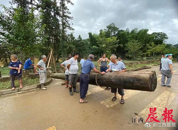婺源彩虹桥首个被冲走原木构件已找到