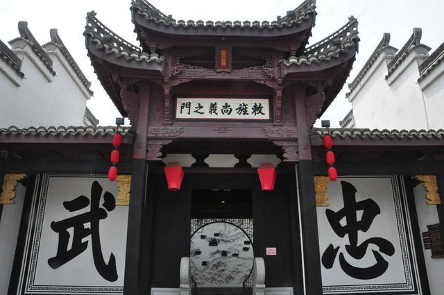 陕西耗费3.5亿修建的古镇,还原三国面貌,为何却没游客光顾?