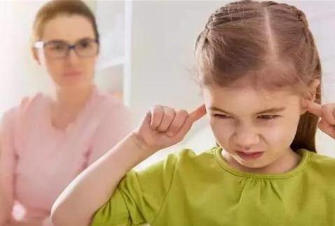 """想要孩子优秀,""""赏识教育""""比""""恶语相向""""更有效,教你3招改善"""