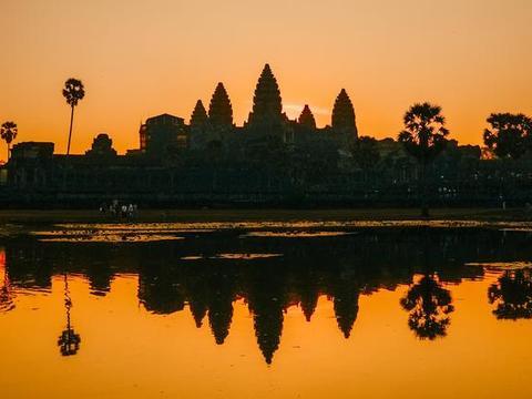 被印在国旗上的柬埔寨旅游景点,景区与它同名,被称为东方奇迹