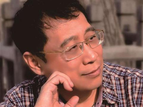张凯丽徐涛联袂朗诵致敬中国力量 传递大爱展现榜样精神