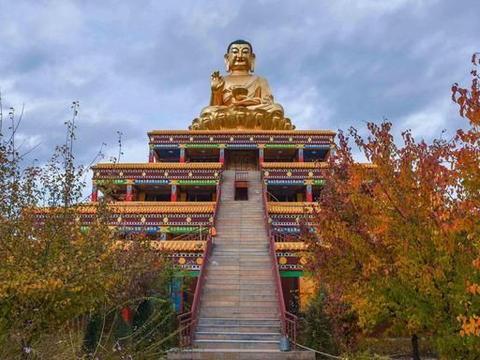 """青海藏传佛教寺院,是""""热贡艺术""""发祥地,盛产技艺精湛的唐卡"""