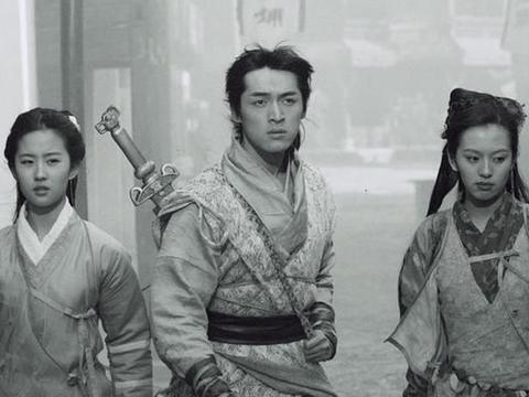 刘品言忆《仙剑》:拍月如两周被换角 经常偷溜刘亦菲车上吃猪脚