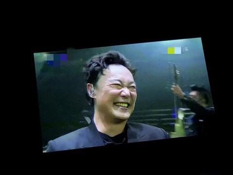 忘词怎么办,陈奕迅憨笑周杰伦吐槽方文山,他的提词太接地气