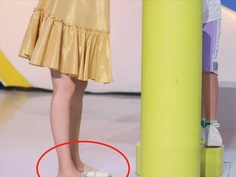 朱丹怀二胎穿公主裙,看到她水肿的双脚后,网友:孕妇真的不容易