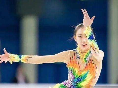 《冰雪知识微课堂》陈虹伊:花样滑冰服装的变迁