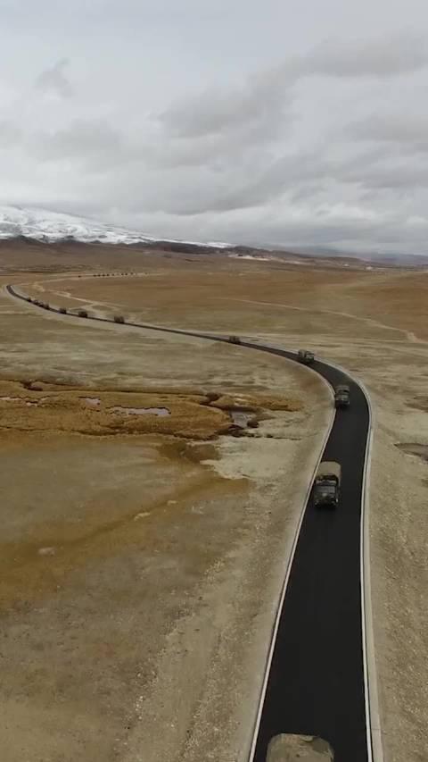 西藏军区某旅防空分队跨昼夜实弹射击……