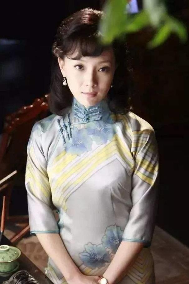 """演员陈数嫁给了著名钢琴家,为了给""""养子""""母爱,她至今没有生育"""