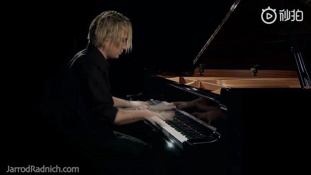 今天为大家推荐的晚安曲是钢琴版《加勒比海盗》主题曲《Hes a Pirate》