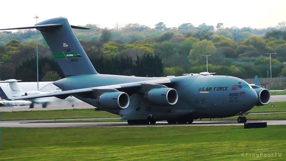 """波音C-17""""环球霸王""""短距起飞,迎面而来的视觉冲击真的很强!"""
