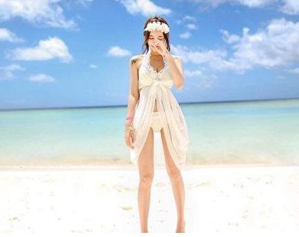 网红小姐姐花5万拍结婚照,看到照片气晕了,网友:看着都尴尬