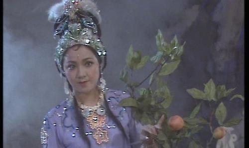 她是西游故事大王,一席话哄得唐僧怆然泪下,浑不知话里破绽重重