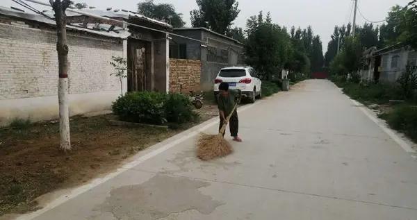 """东昌府区侯营镇:扶贫公益岗圆了贫困户的""""工薪梦"""""""