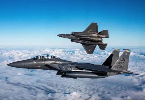 刚与日本签单,美国转手扩充空军,波音生产线获重生