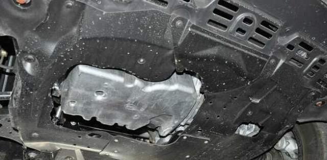 老司机秘诀 为啥都在底盘放一块吸铁石?