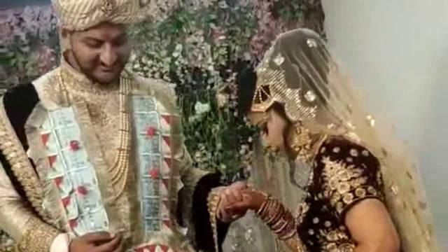 印度贵族婚礼,新娘这一身首饰,价值北京一套房!