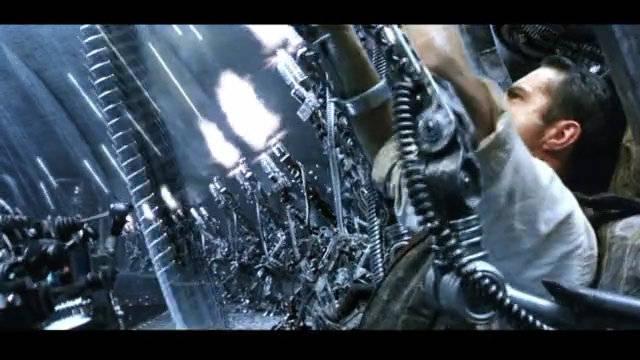 2003年的科幻片机器人火炮齐开,现在看依然热血沸腾!