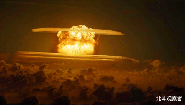 """日本暗藏7艘""""航母"""",能否打败俄罗斯?德国专家:一天结束战斗"""