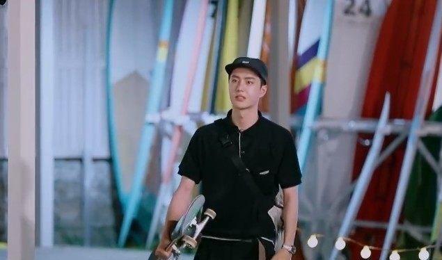 当王一博第一次来到冲浪商店时