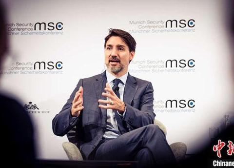 加拿大总理特鲁多就助学金项目风波公开道歉