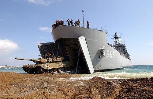 浅析荷兰和法国的两栖登陆舰发展:侧重点各有不同,但目的一致