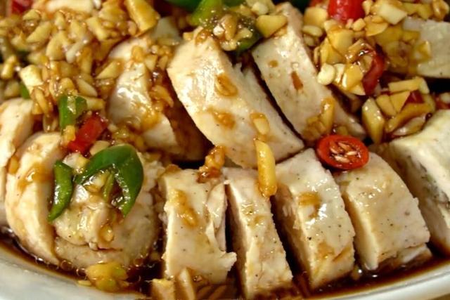 鸡胸肉怎么做最好吃,配方和做法告诉你,鲜嫩劲道,好吃无腥味