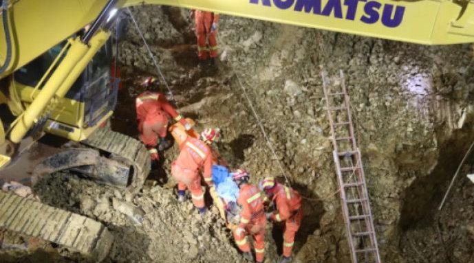 广西百色一在建工地塌方3人遇难:一人被其他工友及时救出
