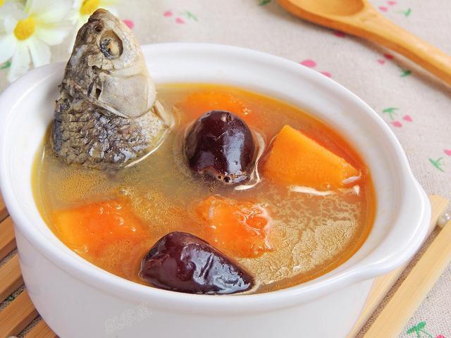 教你营养美味的木瓜鲜鱼汤,做法简单又鲜嫩可口,最后汤汁都不剩