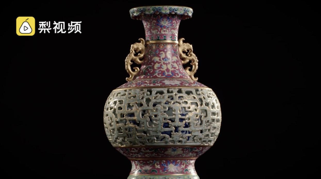 欧洲老妇闲置中国花瓶拍得6300万:出自乾隆时期……