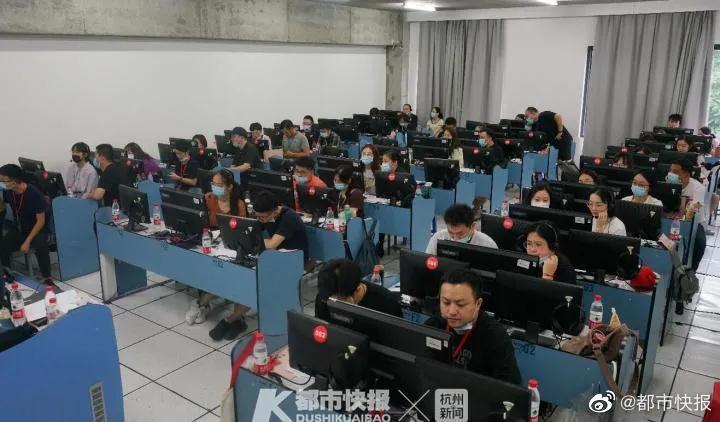 昨天是中国美术学院专业校考网络远程考试的第一天……