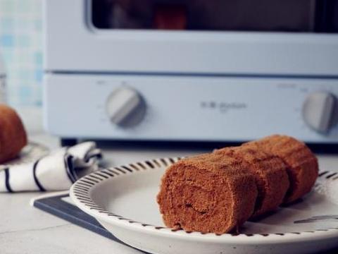 两个鸡蛋也能做出巧克力味的蛋糕卷,成本不到4块钱