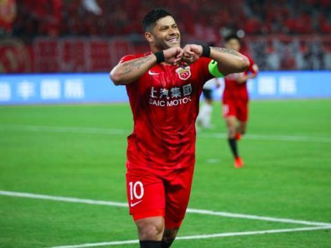 中国足球又遭打击?权媒最新发声,两大巨星或离开中超