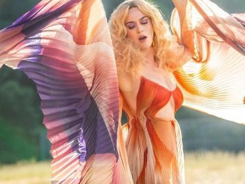 打单奇才Katy Perry正在尝试不顺应音乐市场的规则