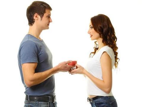 男生跟女生谈恋爱,和跟Faker对线,哪个难度更大?