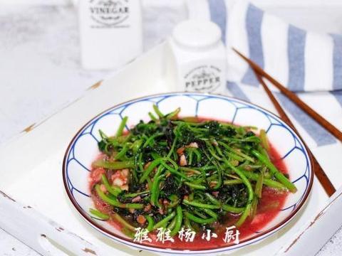 红苋菜别直接下锅炒,这做法比炒的更香,端上桌就被抢精光