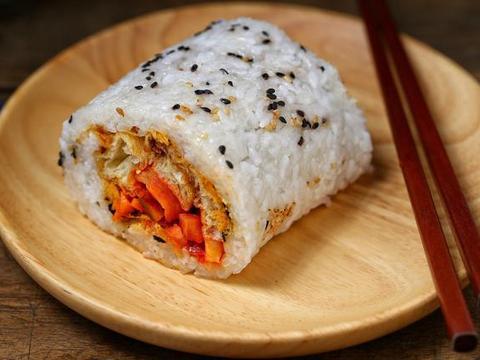 """上海早餐有名的""""四大金刚""""之一,食材多样营养丰富,比寿司好吃"""